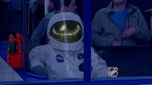 Astronaut Costume GIFs - Find & Share on GIPHY