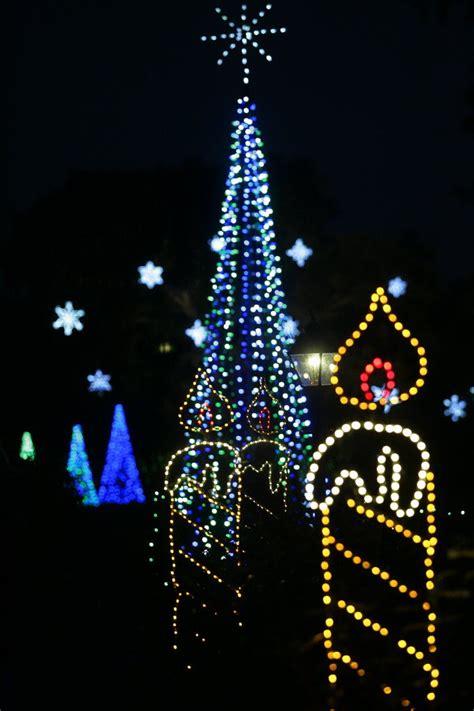 magic christmas in lights opens nov 25 at bellingrath