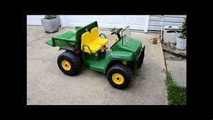 John Deere Gator Charging And Changing The Battery Peg