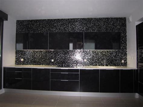 credence pour cuisine grise carrelage cuisine mosaique kakuder sur le mur chaude