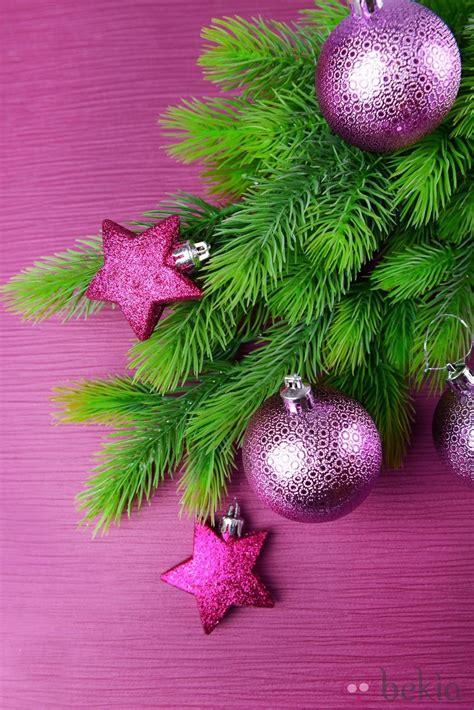 193 rbol de navidad con decoraci 243 n en color morado ideas
