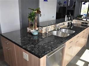 Arbeitsplatte kuche stein dockarmcom for Arbeitsplatte küche stein