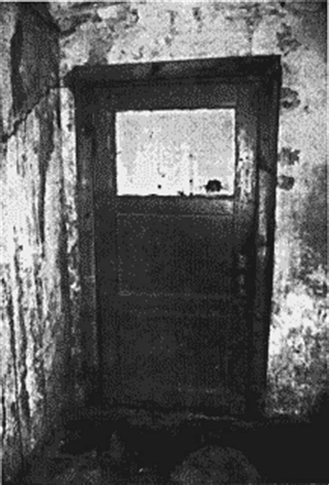 gas chamber doors  comparison