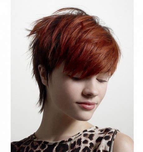 fryzury krotkie damskie dla  latki