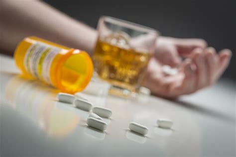 zoloft  alcohol consumption dangers  combination