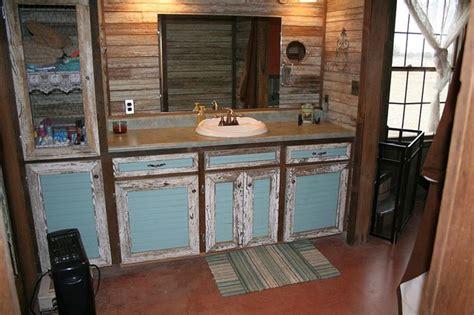 kampf cabin rustic bathroom  metro  big