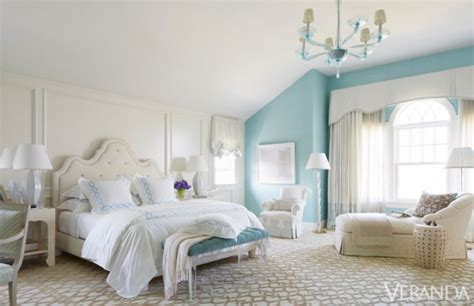 White And Turquoise Bedroom Decorating Idea
