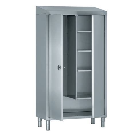 tournus 233 quipement anglais 2 tall cupboards