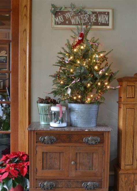 small christmas tree decor ideas shelterness