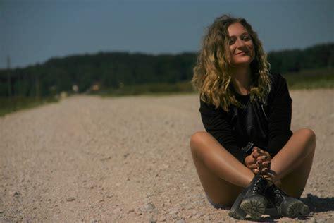 Dziedātāja Inese Ērmane sadarbībā ar lieliskiem mūziķiem publicē jaunu dziesmu un video