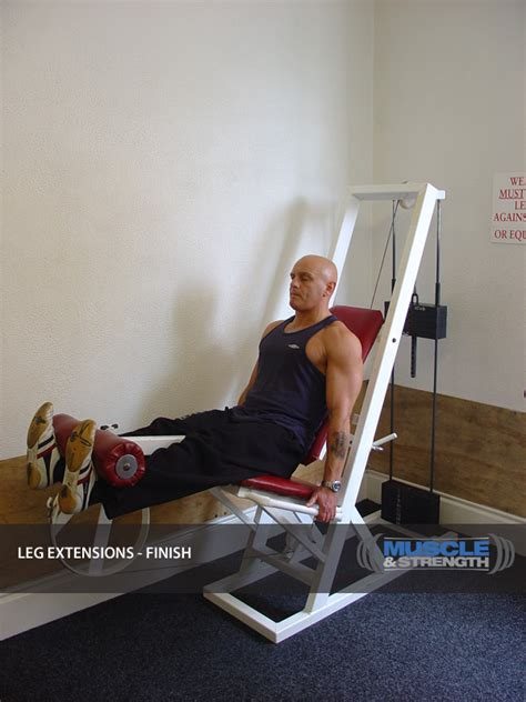 leg extension video exercise guide tips muscle strength