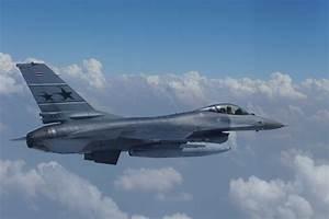File:A Royal Thai Air Force F-16 Fighting Falcon aircraft ...