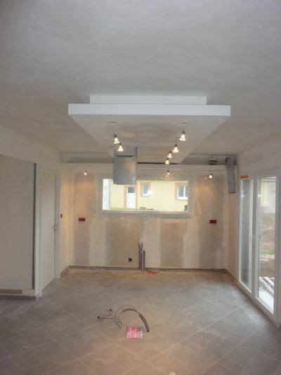 plafond suspendu cuisine photos de faux plafond avec lumière indirecte les groupes sur forumconstruire com faux