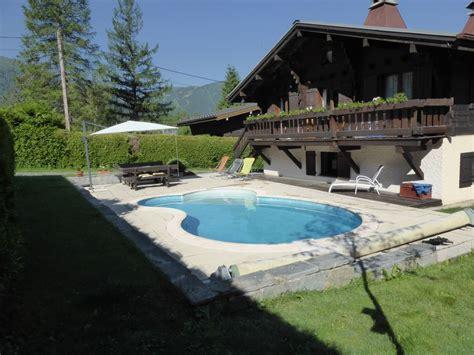 chalet rustique avec acc 233 s jardin et piscine priv 233 e animaux admis haute savoie homelidays