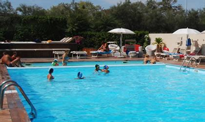 schwimmbecken für kinder cing la mimosa a fano schwimmbad