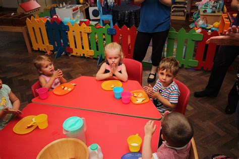 meals and snacks at pebbles daycare and nursery newhaven 805   IMG 5990