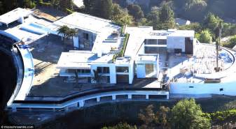 mansion house plans this 500 million la 39 gigamansion 39 has 20 bedrooms daily mail