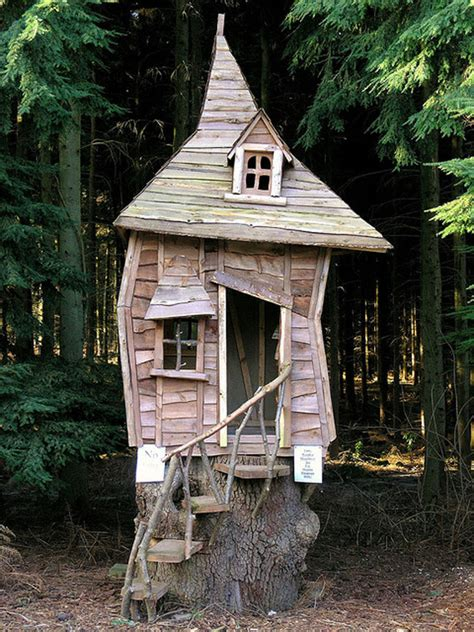 Crooked House by 20 Wendy Houses For The Pan In You