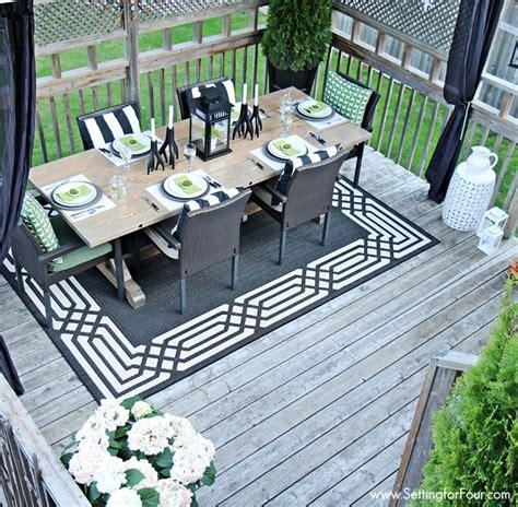 summer deck decor setting for four