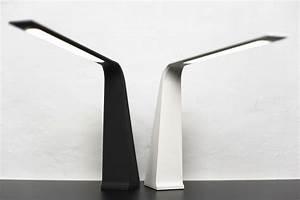 Lampe Bureau Design : lampe de bureau quelle puissance ~ Teatrodelosmanantiales.com Idées de Décoration