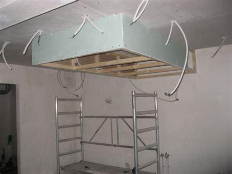 hotte de cuisine plafond attrayant installation d une hotte de cuisine 6 faux