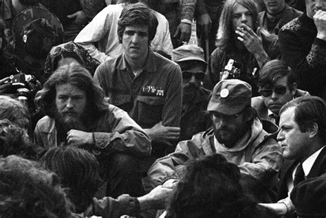 Джон керри фото во вьетнаме