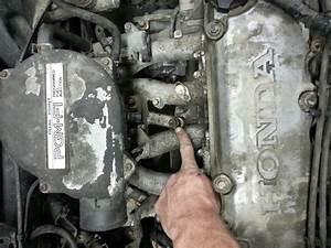 Service Manual  2000 Honda Cr V Crank Sensor Removal