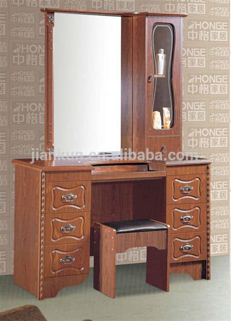 modele de coiffeuse de chambre en bois fonctionnelle commodes modèle coiffeuse commode id