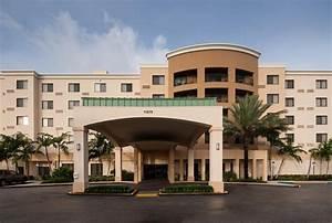 Hotel Courtyard Dolphin Mall FL, Miami, FL - Booking.com