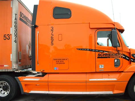 Schneider National looking for Northeast Regional drivers