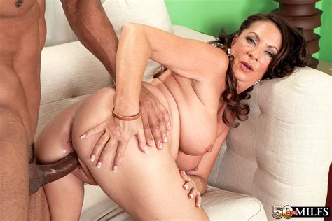 Mature Fatty Margo Sullivan Gets Pussy Drilled And