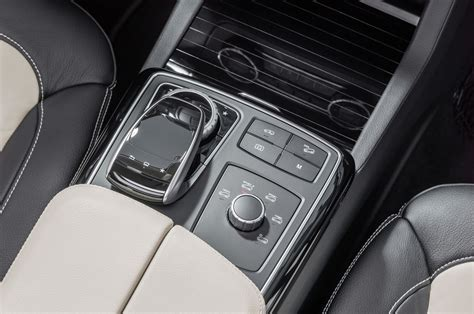 77.24 lakh to 1.25 crore in india. 2016 Mercedes-Benz GLE 450 AMG Coupe - interior photo, central panel, size 2048 x 1361, nr. 24 ...