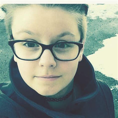 kurze haare jungs stehen jungs auf kurze haare m 228 dchen brille undercut
