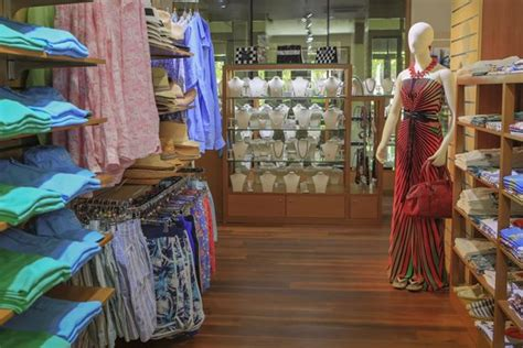 Shopping At Nala Boutique In The Maldives.