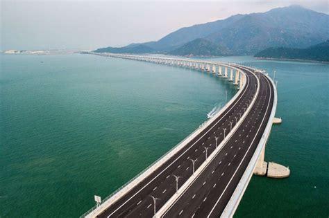 hong kong macau bridge china opens world s sea bridge and tunnel to