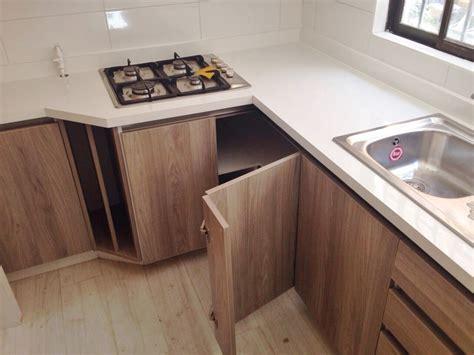 foto cocina madera clara  de cocinas armarios