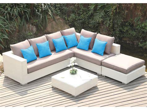 salon de jardin canape salon de jardin azurea en r 233 sine tress 233 e blanche canap 233 d angle 4 places un pouf et une table