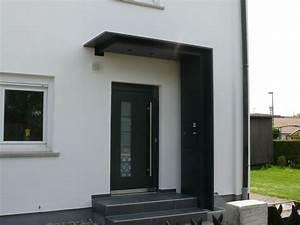 Vordach Hauseingang Modern : haust r berdachung mit seitenteil und integriertem ~ Michelbontemps.com Haus und Dekorationen