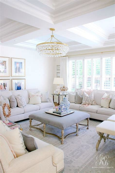 Living Room Color Trends: A Touch Of Yellow For Summer in