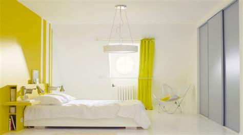 peindre une chambre avec deux couleurs affordable peinture chambre couleurs couleurs chaudes et