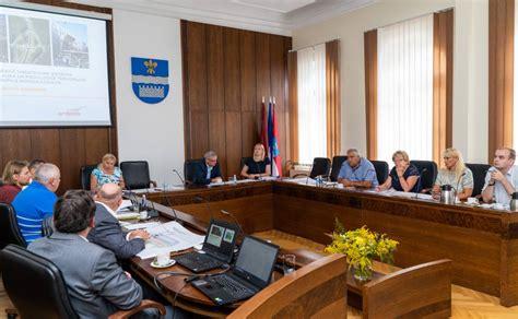 Turpinās darbs pie Daugavpils lidlauka tehniski ekonomiskā ...