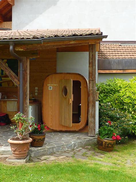 sauna exterieur poele bois sauna en bois haut de gamme et fabriqu 233 en o biozz