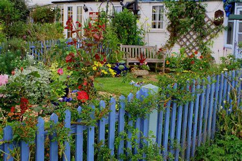 Der Garten Genitiv by Gartenzaun Wiktionary