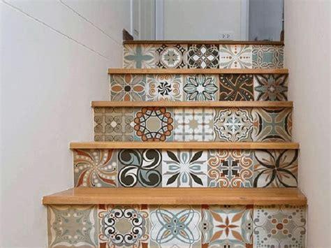 desain tangga  bentuk unik sebagai tambahan estetika