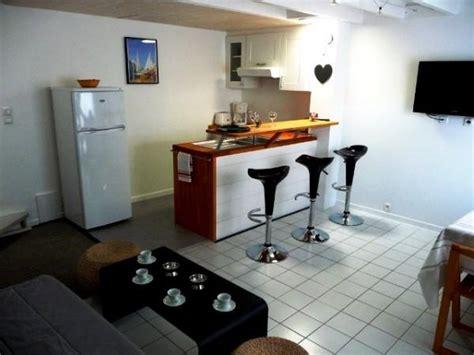 photo cuisine ouverte cuisine américaine avec bar location maison la rochelle