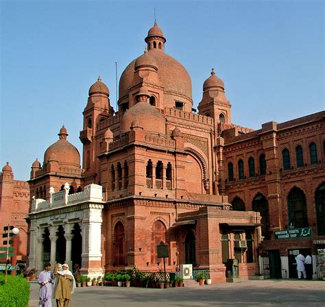 9 Most Interesting Places to Visit with Family in Lahore ...