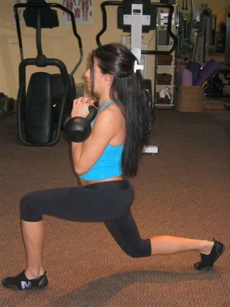 lunge double kettlebell squat front fun workout bodybuilding strength structure