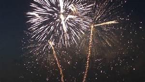 Le feu d'artifice de Bordeaux fête le fleuve - YouTube