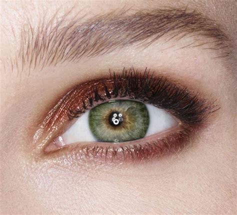 green eyes pop   charlotte tilbury