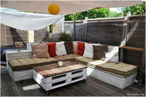canapé plan de cagne canapé d 39 angle extérieur bois et table basse palette
